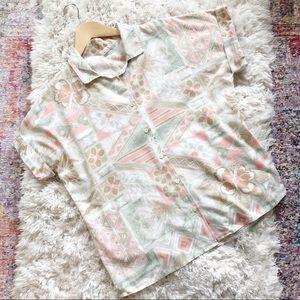 Vintage | Tan and Pink Hawaiian Button Up Shirt L